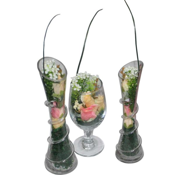 Decorated flower glass piece for home use