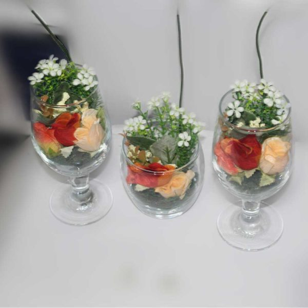 Flowers in glass decoration piece for general use