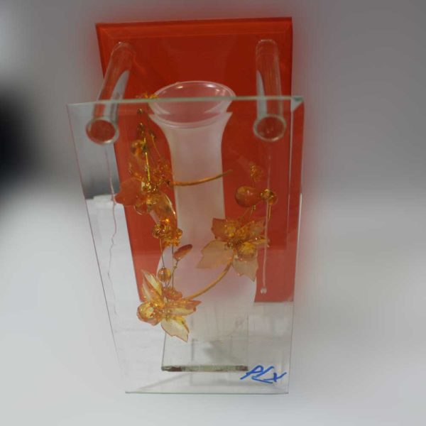 Glass box shape decoration piece